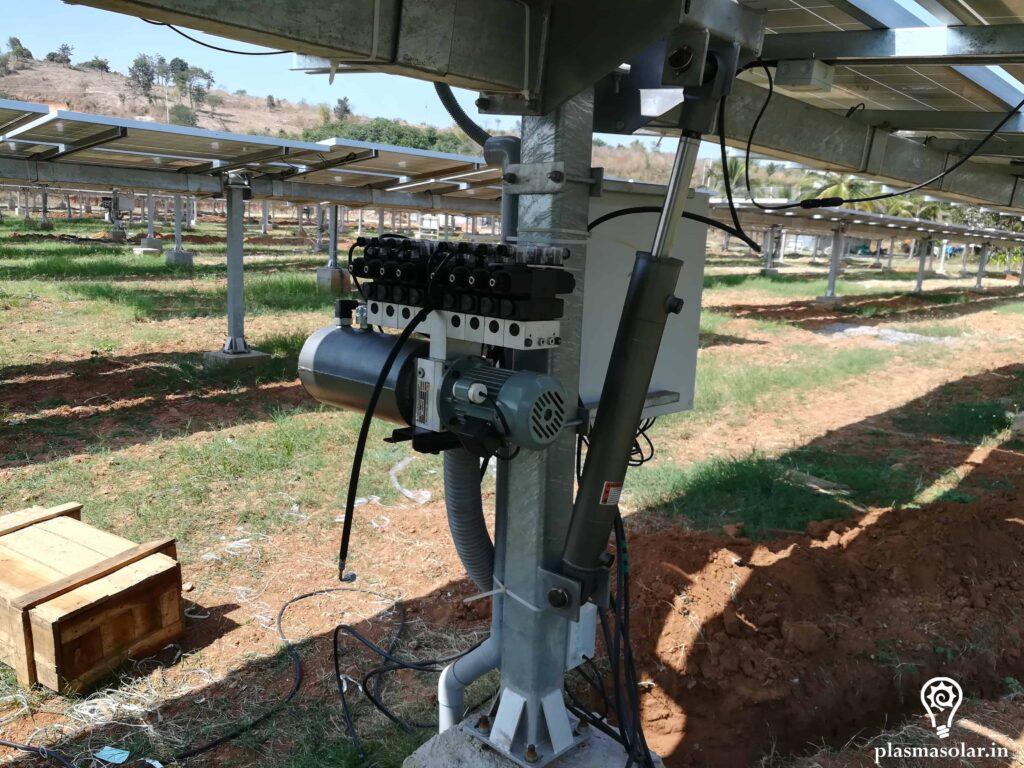automatic rotating solar panel